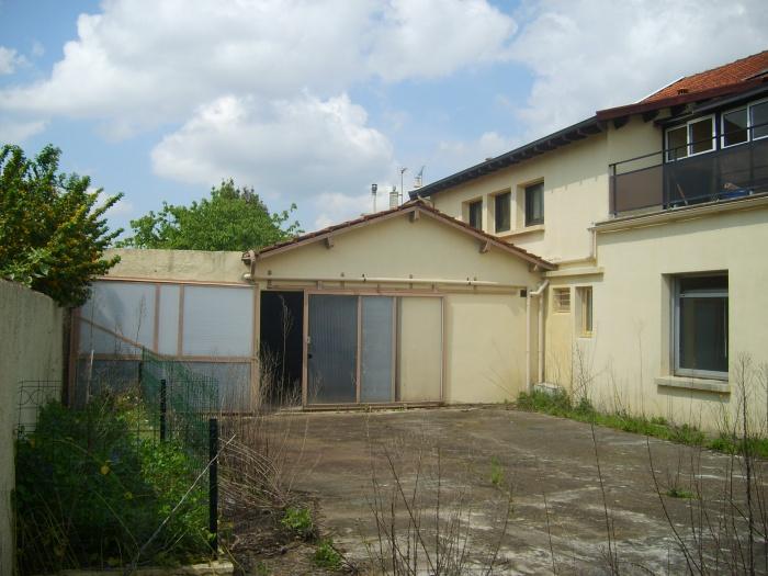 Rénovation d'une maison et aménagement de son extension ( projet en cours ) : Façade hangar existant