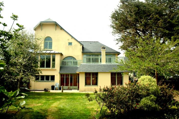 Maison V